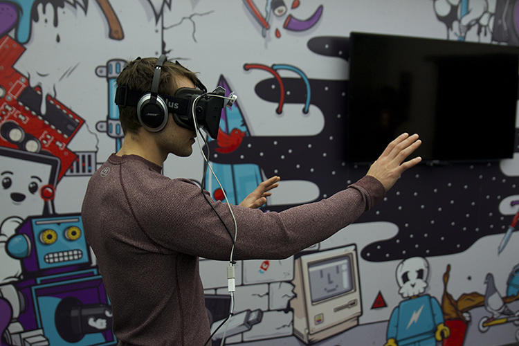 <p>It's an immersive 3-D experience allows students to manipulate virtual objects and experience whatever they're studying firsthand.</p>