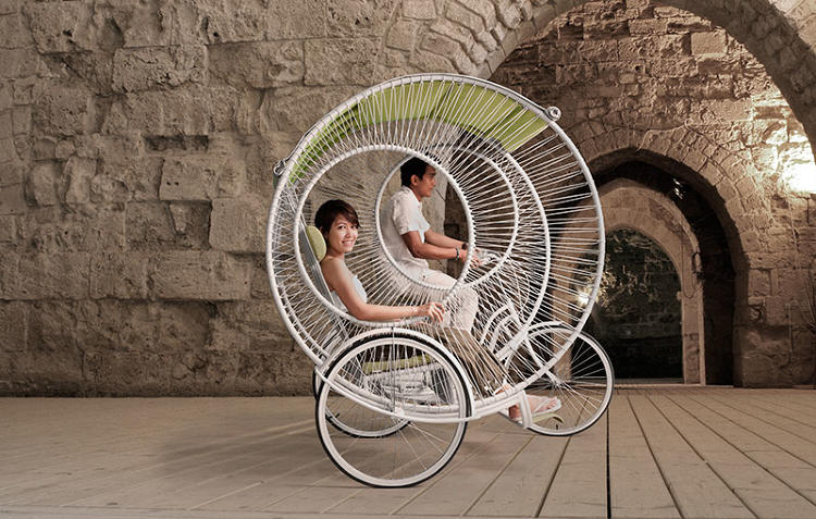 <p>Designer Kenneth Cobonpue has reimagined the rickshaw for a more modern passenger.</p>