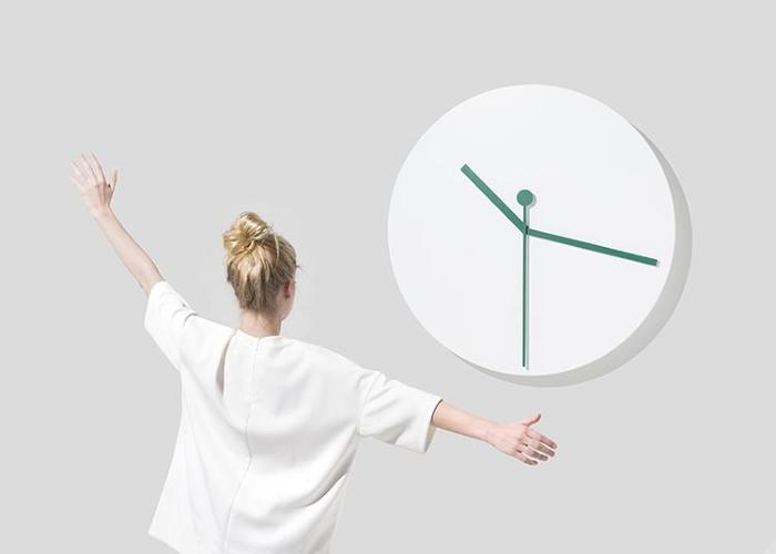 <p><em>Mr Time</em> by Léa Pereyre, Claire Pondard, and Tom Zambaz is a clock that mimics your body movement, giving you the sensation that you can alter time.</p>