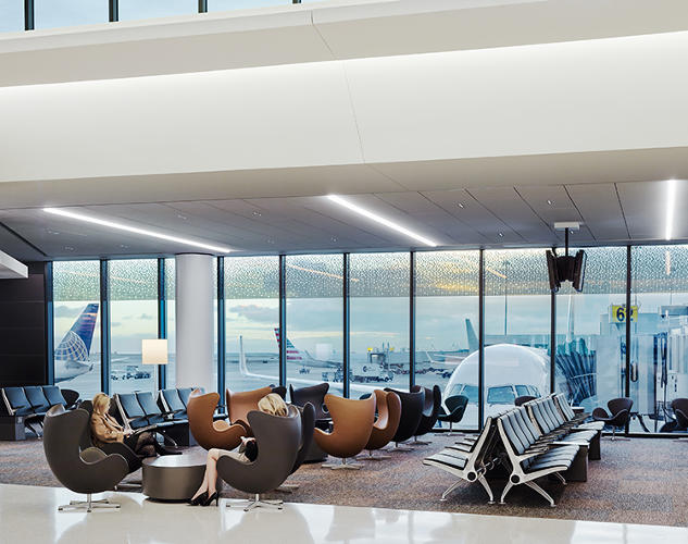 <p>Spas, indoor green spaces, yoga rooms--airports now have them.</p>