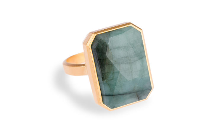 <p>Ringly, a simple ring with a set-in stone that alerts you to incoming calls or texts.</p>