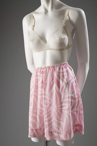 <p>Designs such as Rudi Gernreich's 'no-bra' bra, from 1965--an entirely unstructured brassiere made from sheer fabric--corresponded to ideas of sexual liberation.</p>