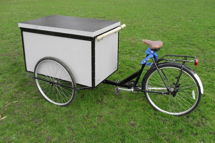 <p>Unlike some other portable shelters, the Housetrike's sleeping compartment can be locked from the inside so someone feels safer and--in theory--can get a better night's rest.</p>
