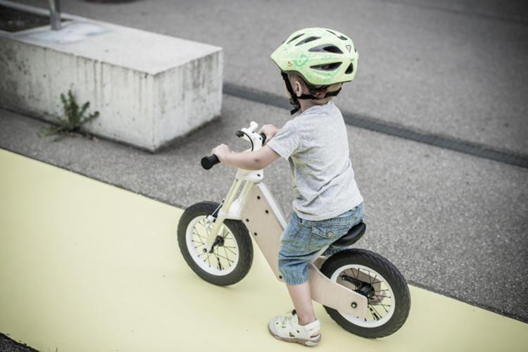 <p>It's not the only bike design to experiment with shifting sizes. The Grow Bike, from a Spain-bike bike design company, also lengthens as kids grow, so it can last five to seven years instead of the usual two to three.</p>