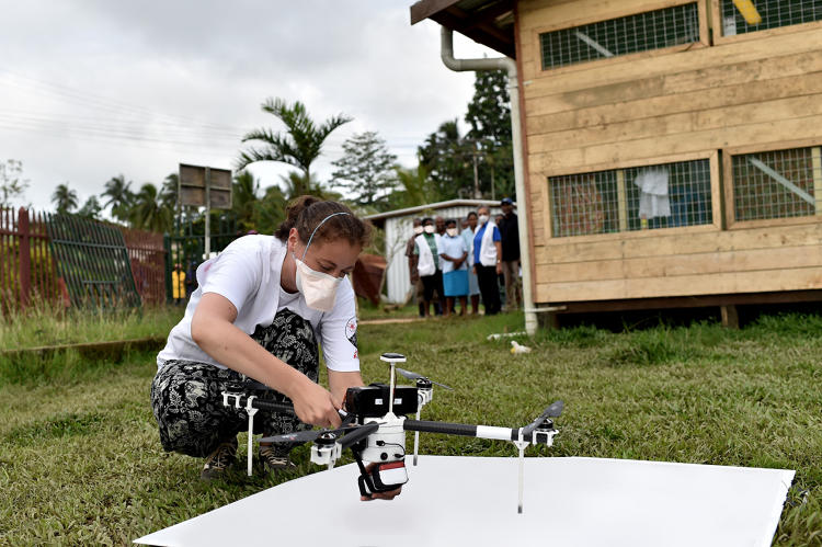 <p>In the Papua New Guinea testing, Matternet's quadcopters carried dummy payloads equal to the weight of up to 10 blood samples over distances of about 12 to 15 miles (20-25 kilometers).</p>
