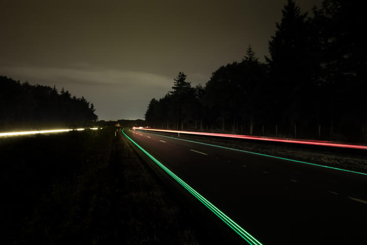 <p>After months of pilot testing, a glow-in-the-dark smart highway in the Netherlands has finally gone public in the Dutch city of Oss.</p>