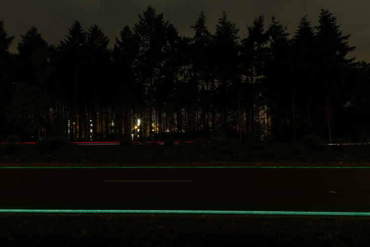 <p>After a few technical challenges (<a href=&quot;http://www.fastcodesign.com/3029971/dutch-glow-in-the-dark-roads-dont-glow-so-well&quot; target=&quot;_self&quot;>an early version of the lines didn't fare so well in the rain</a>), the final system has now been installed.</p>
