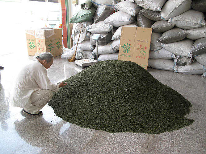 <p>Today, Beckwith is a foremost authority on tea, and is skeptical that the third wave tea trend will take hold. &quot;If you look back on the history of tea, it's probably the one hundredth third wave of tea,&quot; he says.</p>