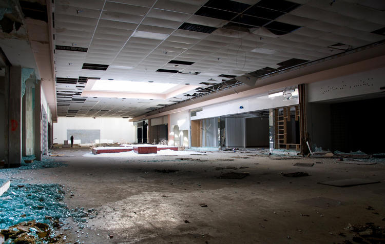<p>It's one of many dead and dying American malls. More than two dozen malls across the country have closed since 2010, and another 60 are nearing their end.</p>