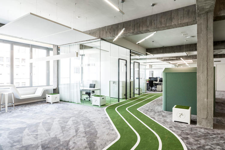 <p><a href=&quot;http://www.fastcodesign.com/3038625/this-office-has-a-running-track&quot; target=&quot;_self&quot;>Onefootball's offices</a> in Berlin, pictured, include a track. Running inside: The dream of every oldster who's 5 at heart!</p>