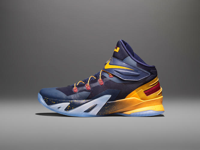 <p>This is the Lebron Zoom Soldier 8. And it has a new technology hiding in its shell.</p>