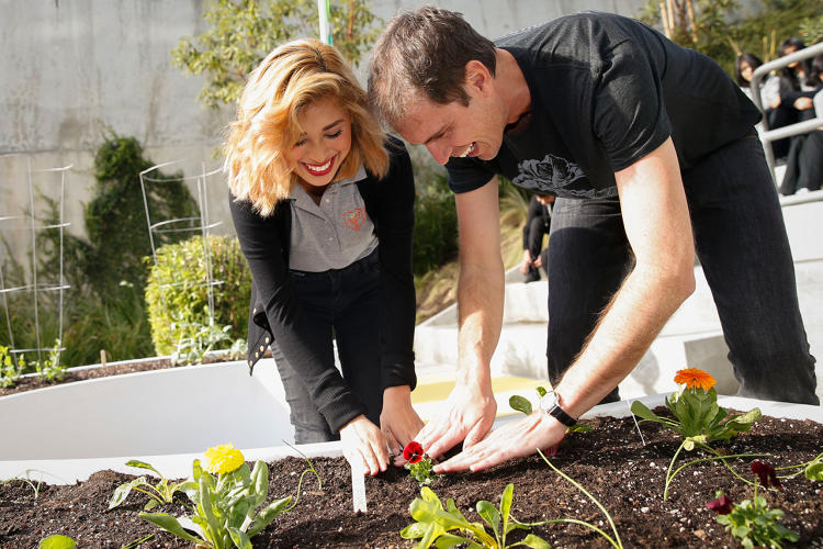 <p>In a model that he plans to use around the entire country, Kimbal Musk goes to a city, opens restaurants that help stimulate demand for healthy, locally-grown food.</p>
