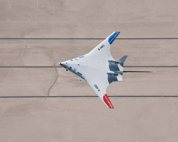 <p>An overhead view of the X-48C during testing shows its relocated wingtips and super-efficient shape. Image: NASA Photo/Carla Thomas</p>