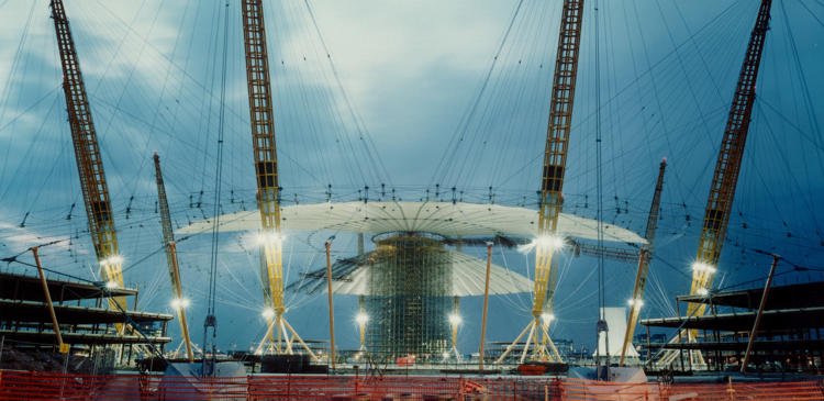 <p>The O2, or Millennium Dome, in London, designed by Richard Rogers, features a tensile roof structure engineered by Birdair.</p>