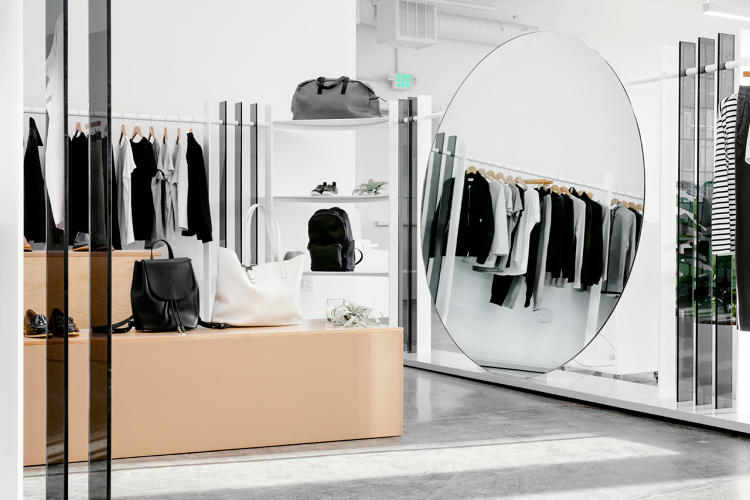 <p>&quot;The notion of closing off the space ran contrary to Everlane's concept of a transparent office environment,&quot; says designer Mimi Jung.</p>