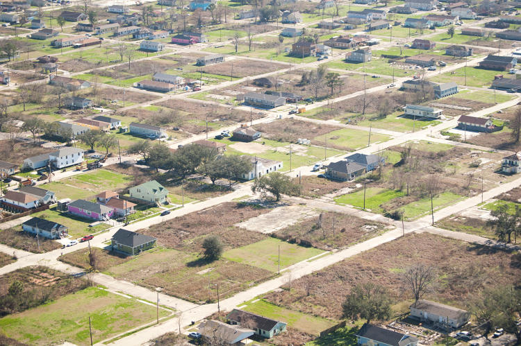 <p>Bundled together, a group of vacant lots could suddenly work as a business, such as a nursery of food business.</p>