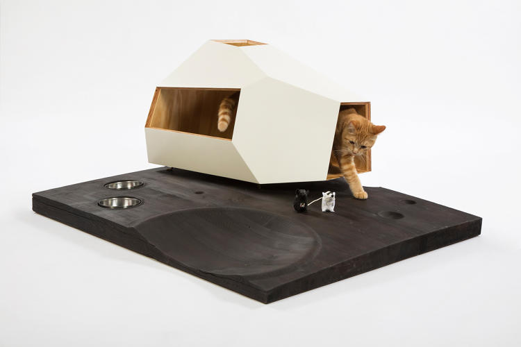 <p>The Lunar Cat Lander by <a href=&quot;http://www.knowhowshopla.com/&quot; target=&quot;_blank&quot;>KnowHow Shop</a> imagines a cosmic abode.</p>