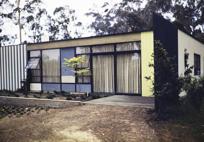 <p>Entenza Residence (aka Case Study #9), Pacific Palisades, 1949. Architects: Charles Eames and Eero Saarinen</p>