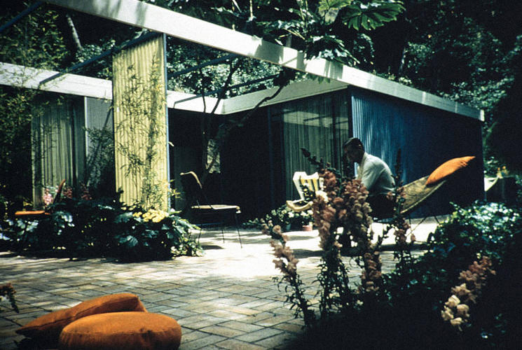 <p>Lamel Residence, patio, Glendale, California, after 1953.</p>