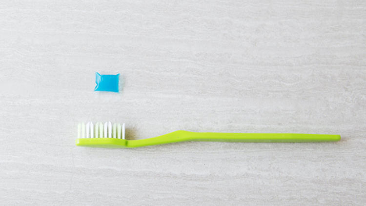 <p>With the new Poppits soluble toothpaste pod, there's no waste.</p>