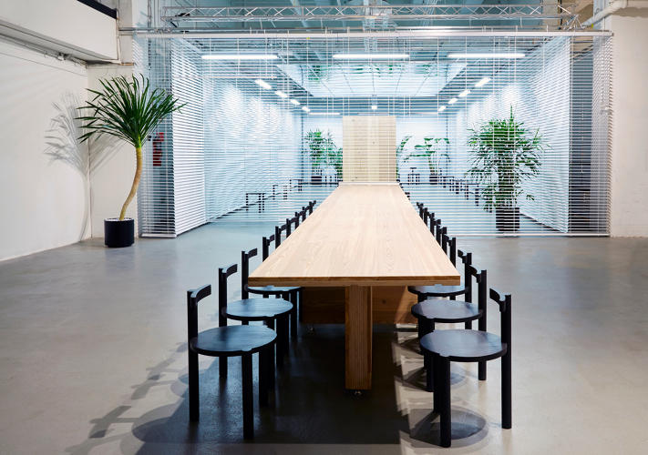 <p>The space riffed on a modern office.</p>
