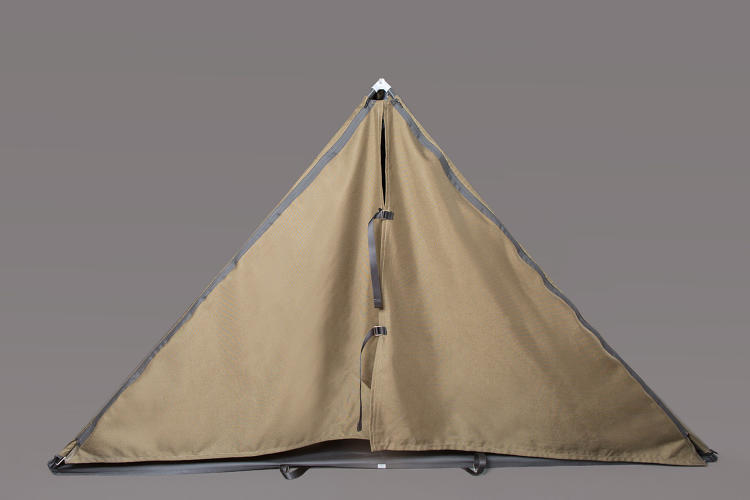 <p>Here's what the jacket looks like when it's unzipped and erected as a tent.</p>