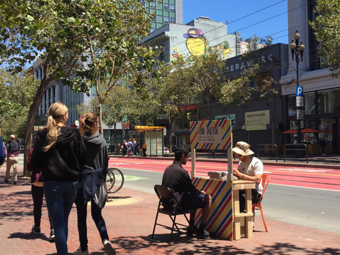 <p>San Francisco artist Hunter Franks headed to the street last week with a makeshift &quot;fear doctor&quot; booth.</p>