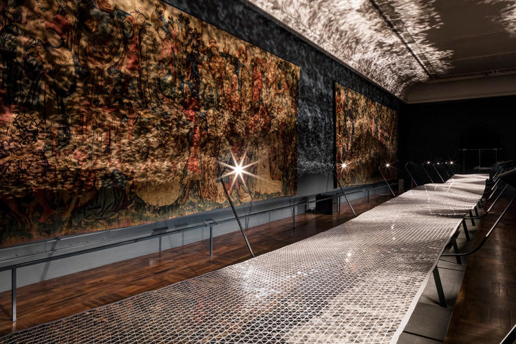 <p>Foil, a kinetic installation by the London-based studio Layer for Braun, is composed of 50,000 triangular mirrors. The undulating motorized platform riffs on the motion of the brand's iconic electric shaver.</p>