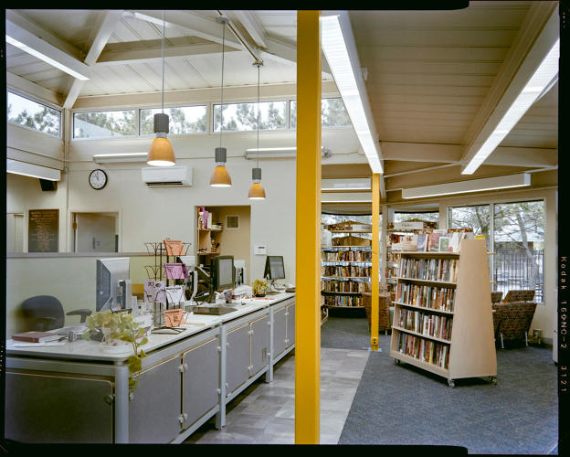 <p>Inside the Broad Channel library in Queens</p>