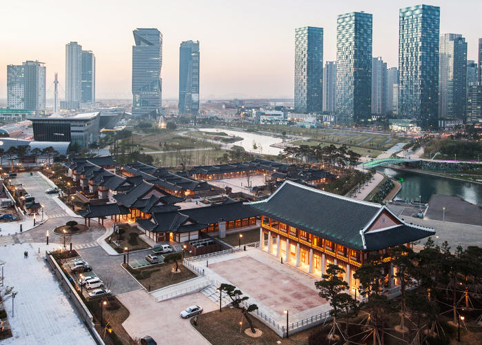 <p>Songdo is a massive new development about the size of downtown Boston, built from scratch over the last several years.</p>
