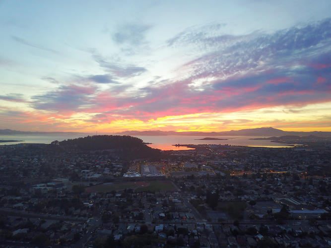<p>A gorgeous Bay Area sunset, shot using DJI's Mavic Pro drone.</p>