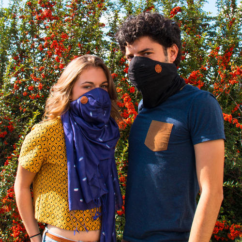 <p>The scarf can also be used on the subway to protect someone from germs.</p>