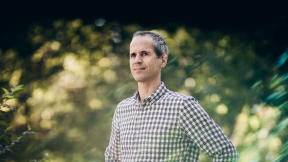 The Essential Productivity Tip That Ira Glass Taught Podcasting Star Alex Blumberg