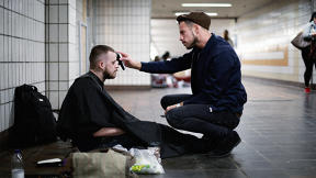 If You're Homeless, This London Stylist Will Give You A Free Haircut