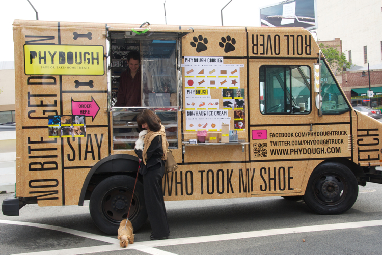 Doggies who lunch get their own stylish food truck for Design your food truck