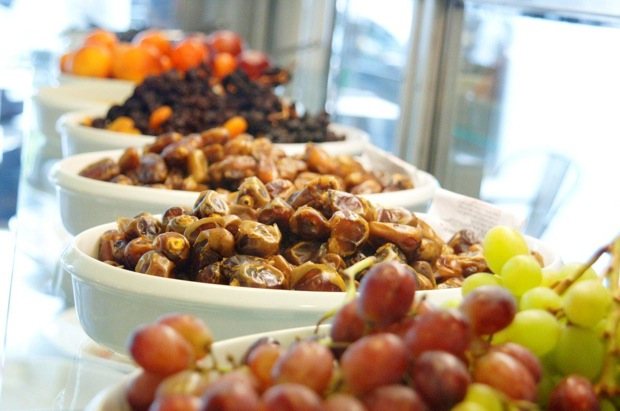 dried fruits and grapes